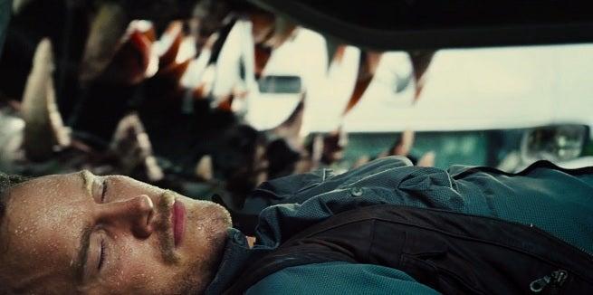 jurassic-world-i-rex-teeth-2