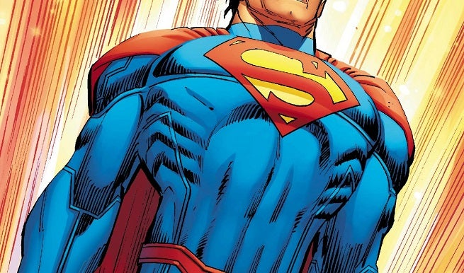 superman-new-costume-top