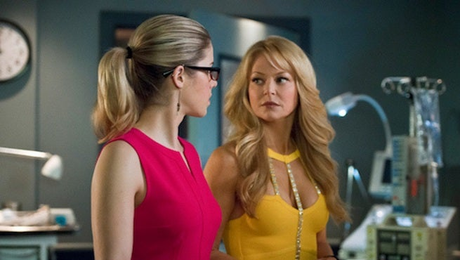 arrow-donna-smoak-1