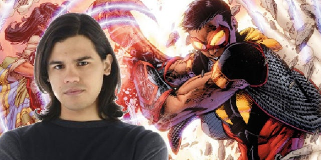 Carlos Valdes Teases Vibe, Wants More Romance on The Flash Season 2