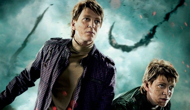 Deathly-Hallows-Part-2-Action-Poster-The-Weasley-Twins-HQ-fred-and-george-weasley-22732445-1600-2366