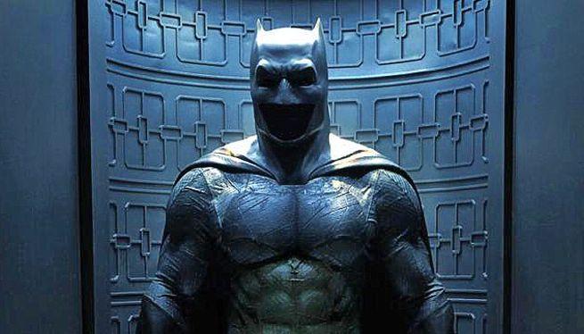 batman-v-superman-suit