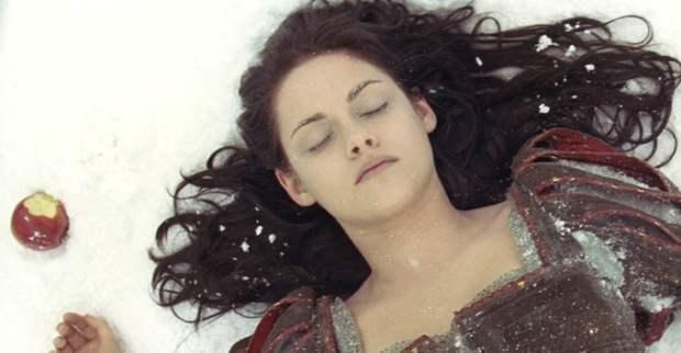 snow-white-and-the-huntsman-movie-image-kristen-stewart
