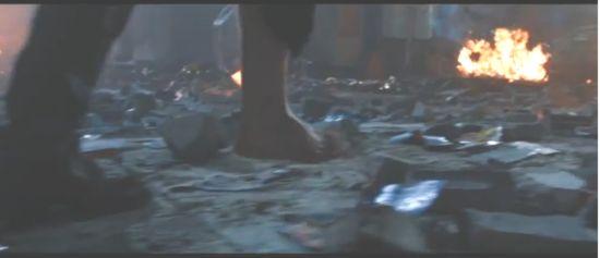 Iron Man 3 bare foot