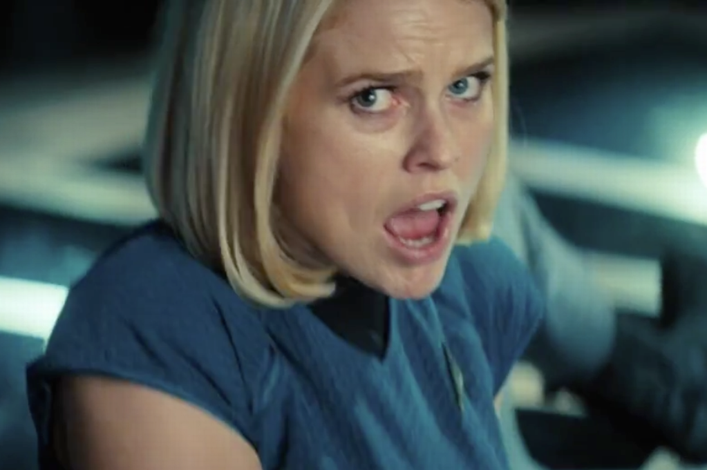 alice-eve-star-trek-into-darkness