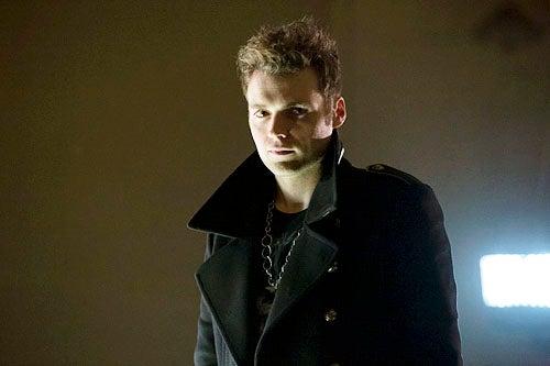 Tonight Is Last Night For Alternate >> Arrow Alternate Opening To Last Night S Episode