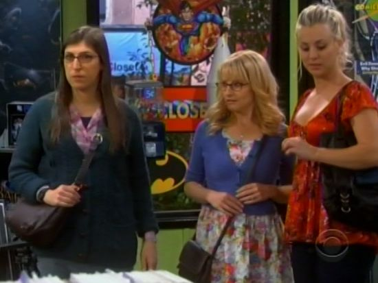 Big Bang Theory girls in a comic shop
