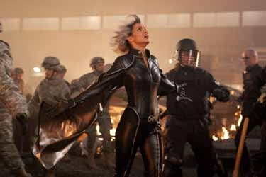 halle-berry-as-storm