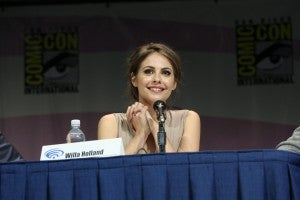 ARROW star Willa Holland listens to the show's fans at the ARROW WonderCon panel session on Sunday, March 31. ARROW airs Wednesdays at 8/7c on The CW. (©2013 Warner Bros. Entertainment, Inc. All Rights Reserved.)