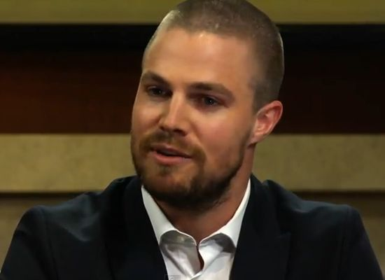 stephen-amell-50-shades-of-grey