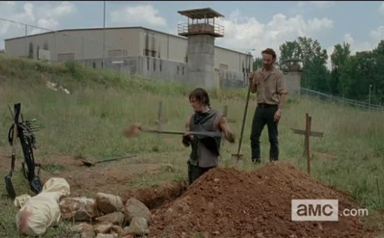 The Walking Dead Daryl & Rick graves
