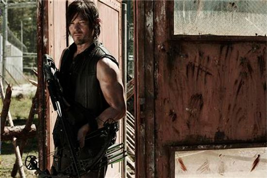 Walking Dead Season 4 Daryl & Crossbow