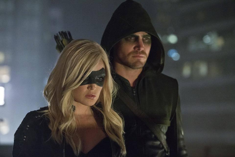 Arrow-Amell-Green-Arrow-Black-Canary