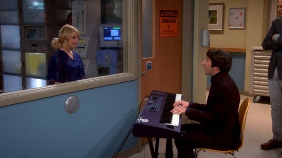 TBBT-Howard-Sings-to-Bernadette
