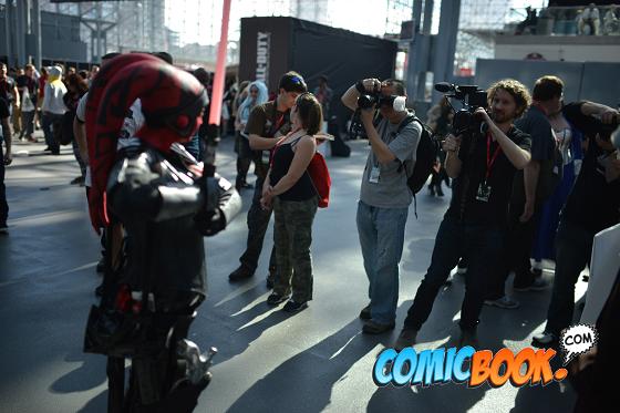 nycc-cosplay-crowd-shot-lomi-plo