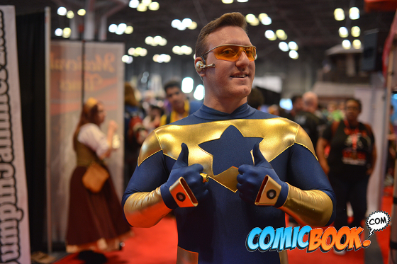 nycc-cosplay-smallville-booster-gold