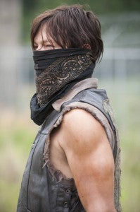 the-walking-dead-infected-bandana-daryl