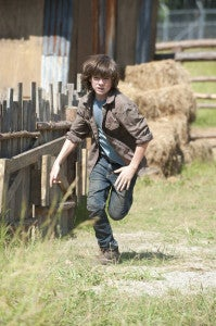 the-walking-dead-infected-carl-running