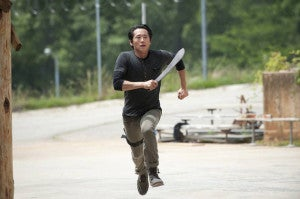 the-walking-dead-infected-glenn-machete