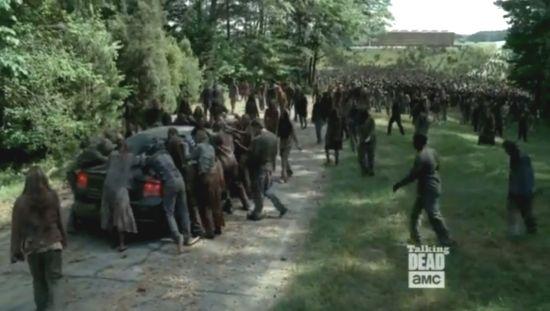 7,500 walkers