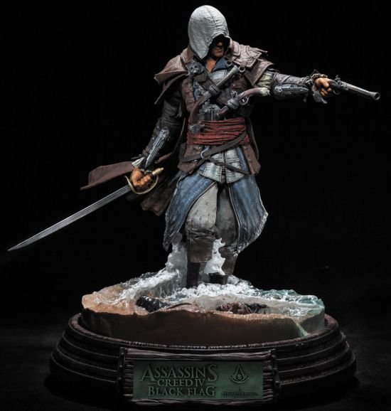 assassins-creed-statue