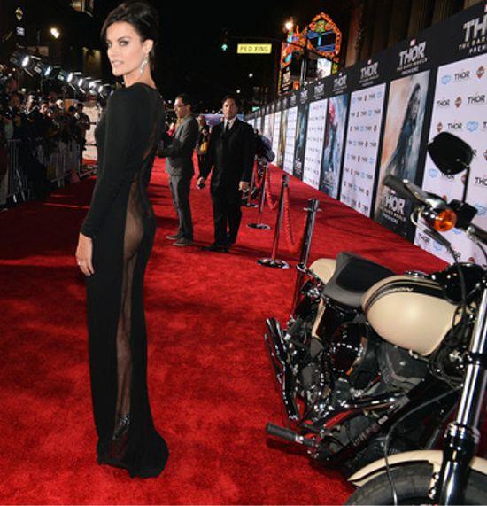 Jaimie Alexander's dress Thor: The Dark World