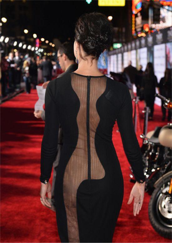 Jaimie Alexander's dress Thor: The Dark World premiere