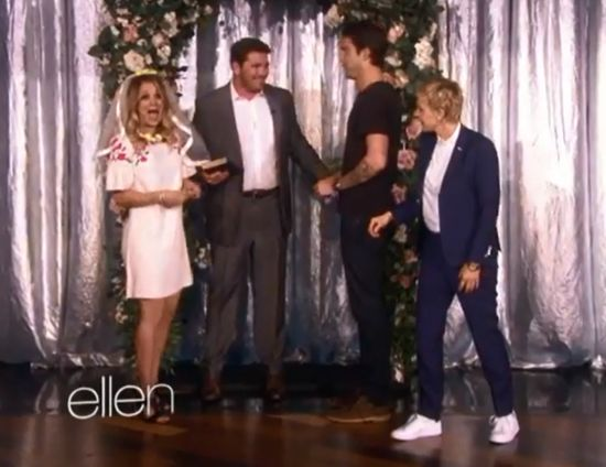 Kaley Cuoco gets married on Ellen