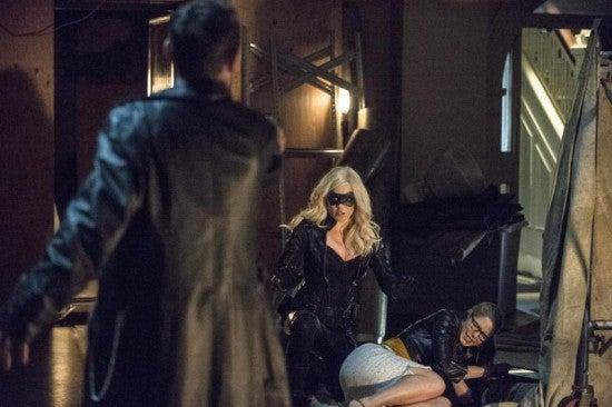 Arrow Star Stephen Amell Explains the Oliver/Felicity/Sara Romantic