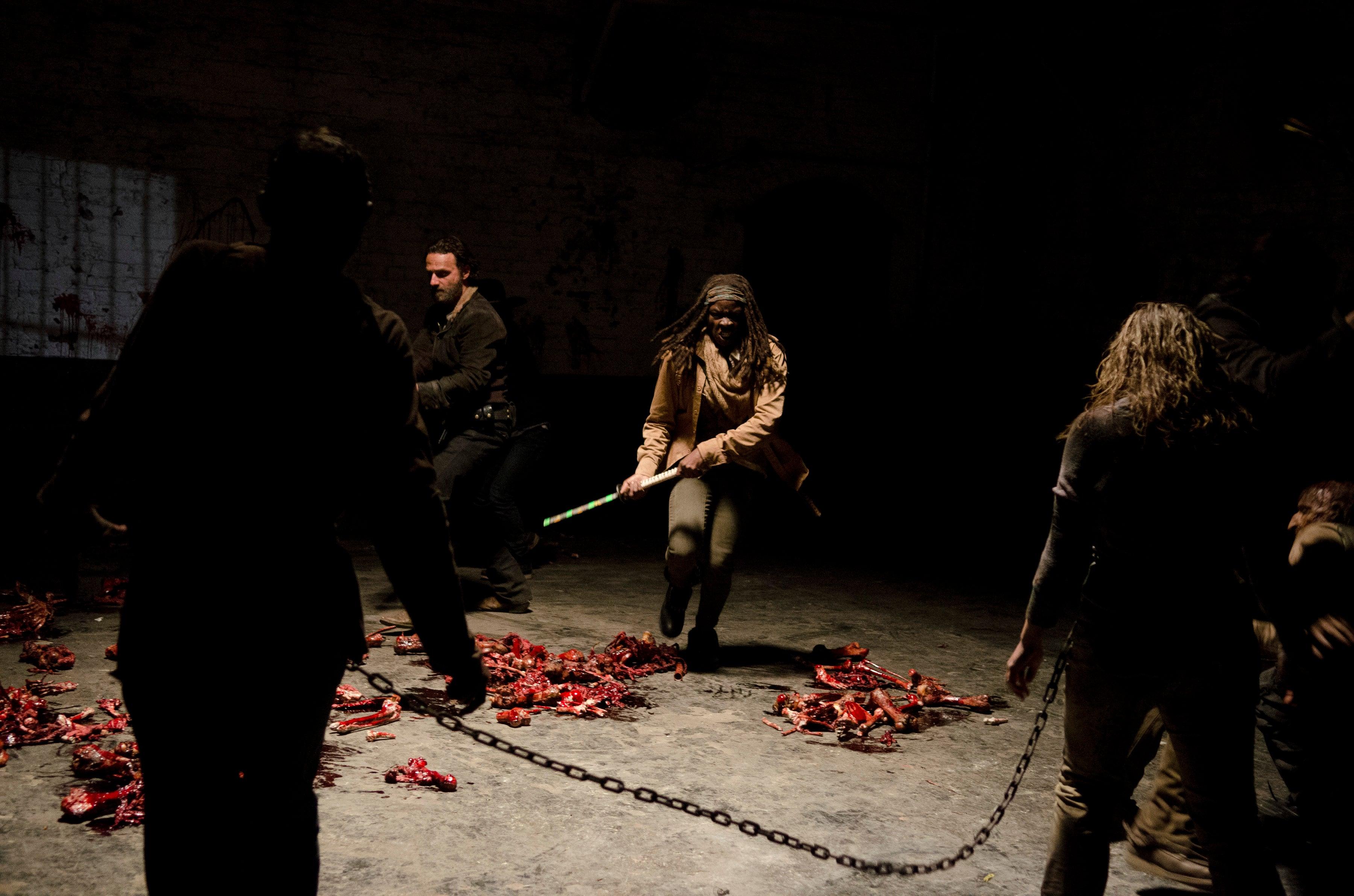 The-Walking-Dead-Season-Four-Finale-Walkers