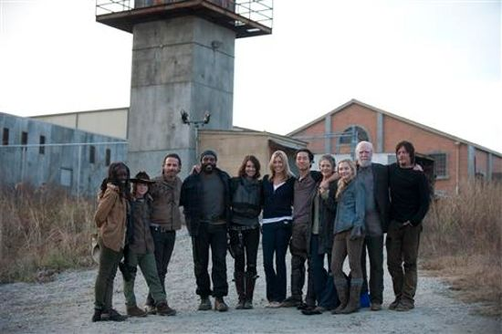the-walking-dead-season-4-finale-cast-photo