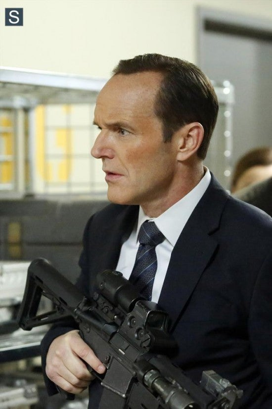 Agents-of-SHIELD-Nothing-Personal-002