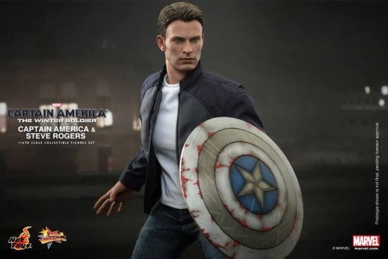 Hot Toys - Captain America and Steve Rogers