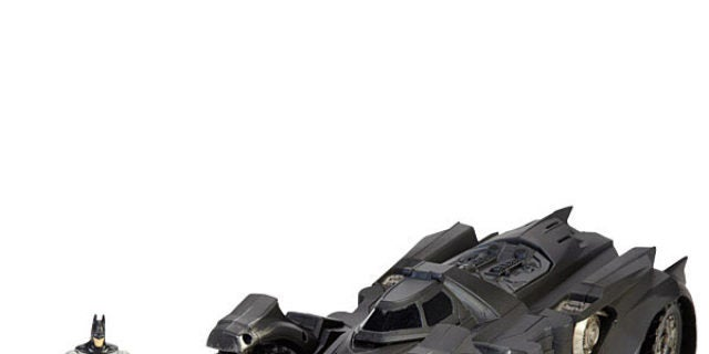 Mattel-SDCC-batman-arkham-knight-batmobile-28f48