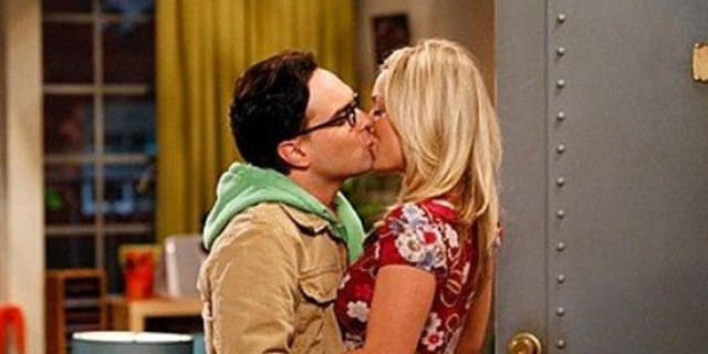 penny-and-leonard-get-engaged
